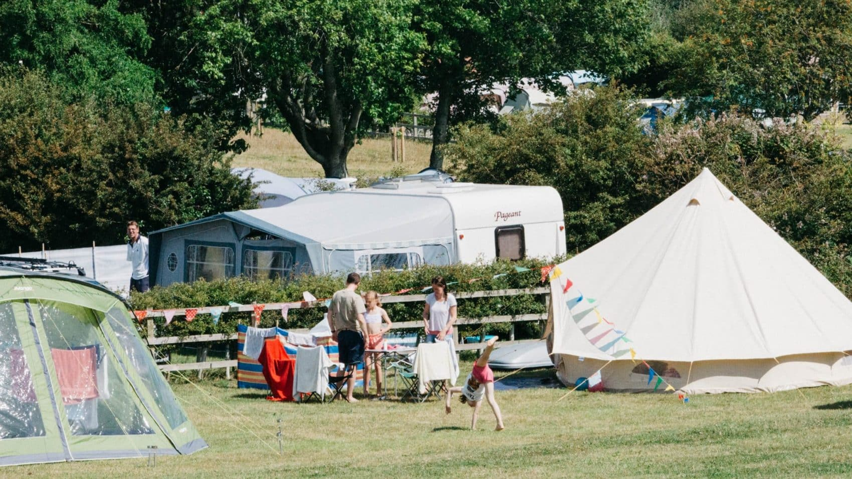Camping isle of wight ninham country holidays for Isle of wight campsites with swimming pool