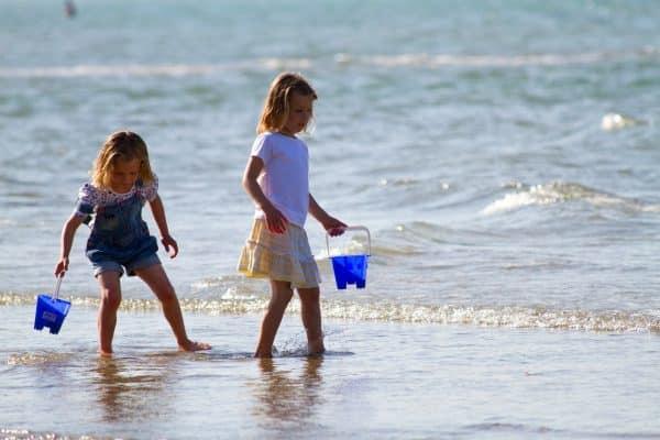 isle-wight-girls-beach-ryde-1